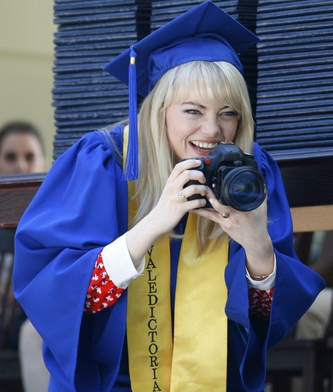 emma stone andrew garfield kiss at spider man graduation 07 27 Things You Didn't Know About The Spider-Man Films