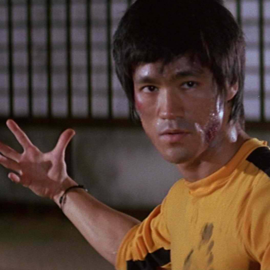 game of death bruce lee 26683875 1920 1088 Unexplainable Things That Happened On Movie Sets