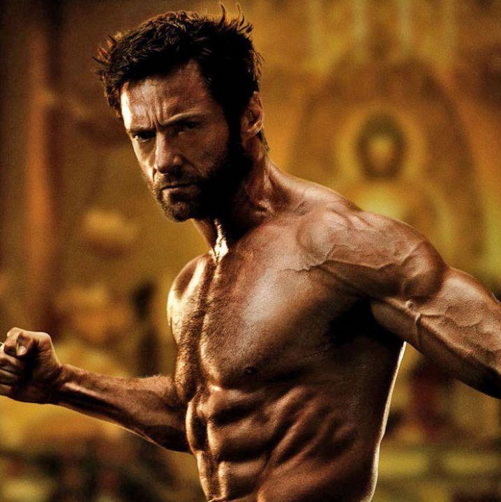 logan wolverine pronto all azione nella foto in bianco nero v3 279555 24 Things You Didn't Know About The X-Men Films