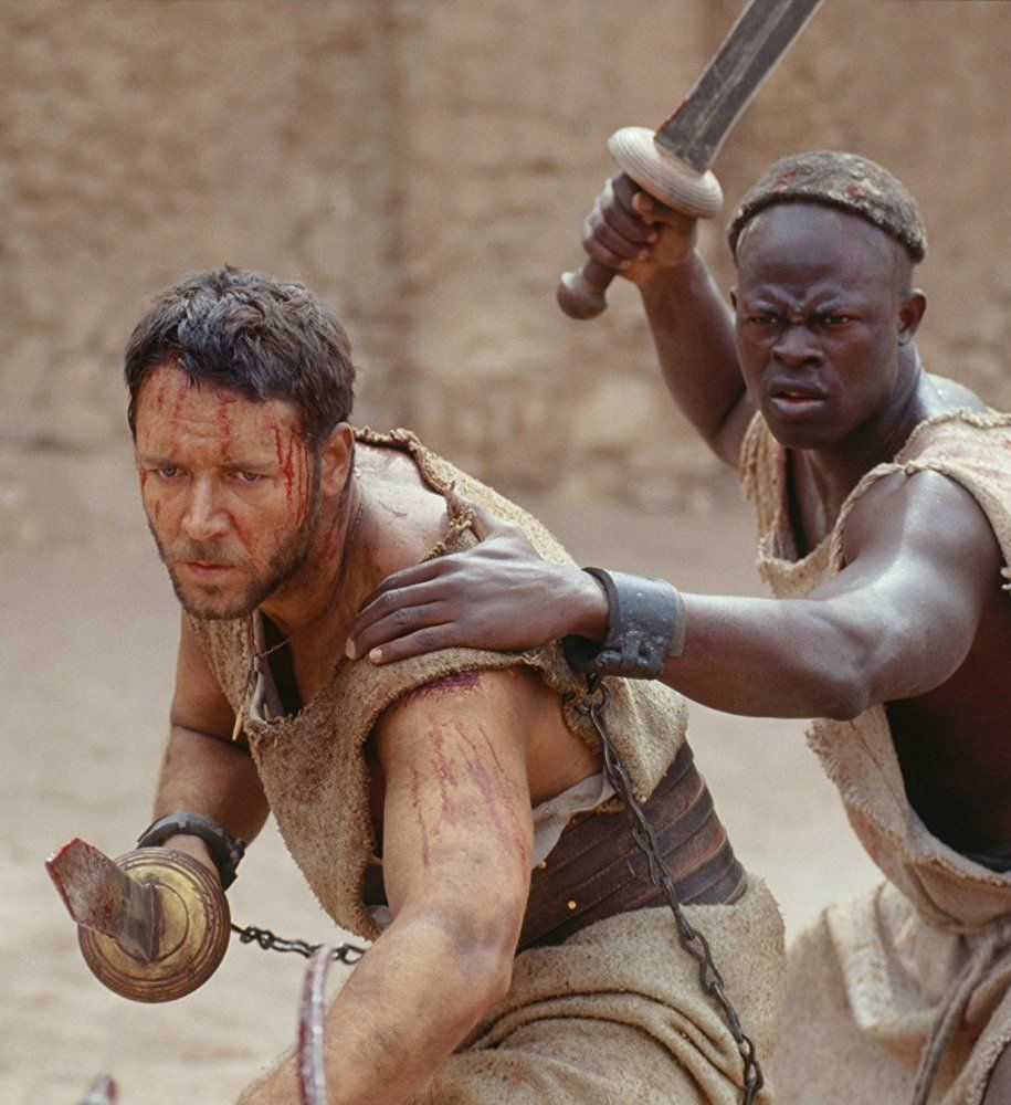 russell crowe gladiator 10 Actors Who Seriously Injured Themselves To Win An Oscar