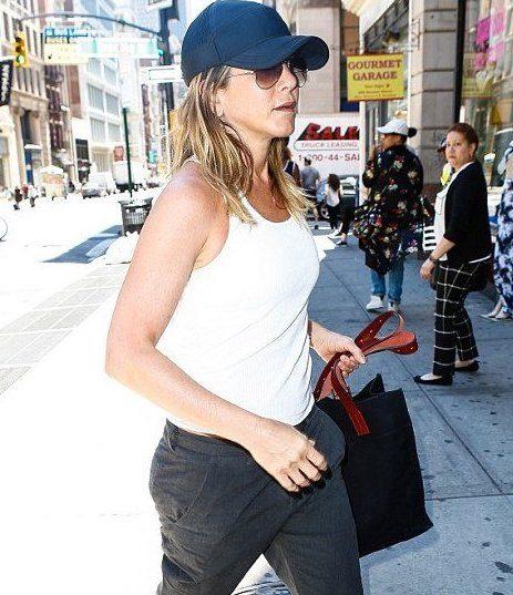 1 jennifer casual 1 1 20 Things You Never Knew About Jennifer Aniston