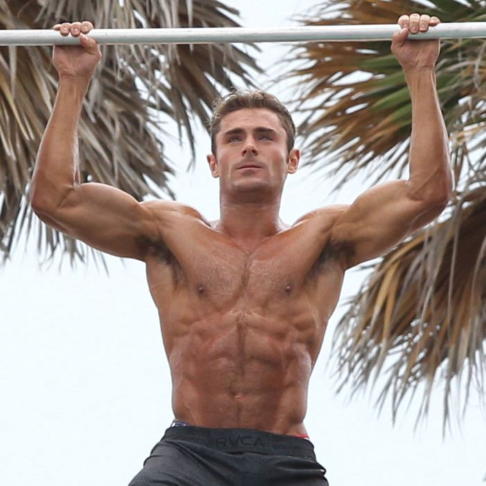 16 zac efron baywatch.w700.h700 30 Actor Transformations So Extreme You Didn't Even Recognise Them