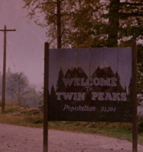 3Peaks 10 Facts You Probably Never Knew About Blue Velvet!