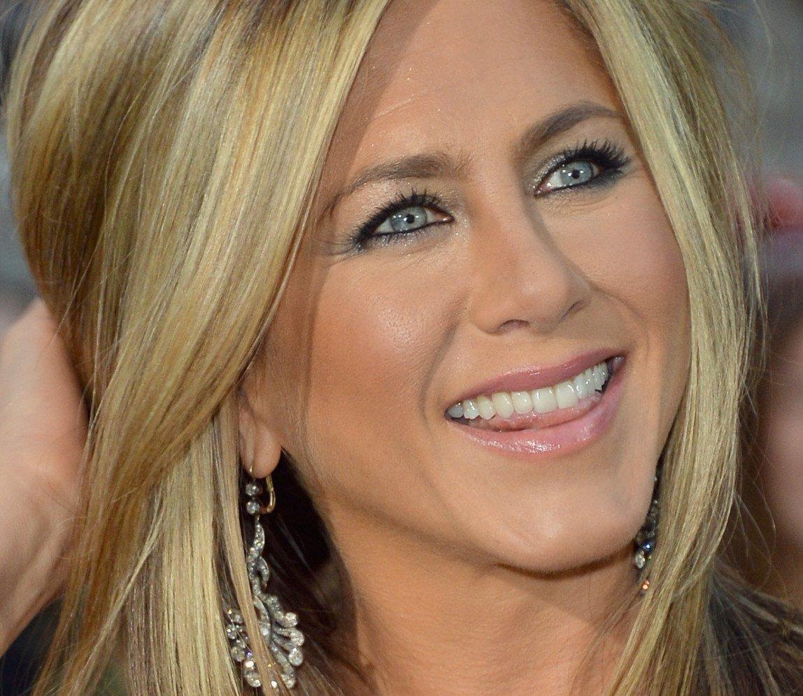 6 JENNIFER 20 Things You Never Knew About Jennifer Aniston