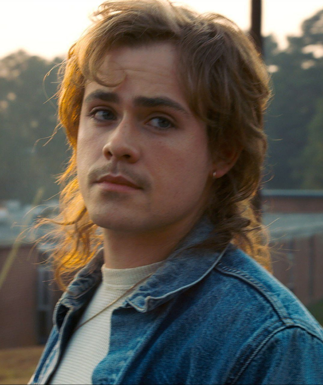 STRANGER 17 e1562320260342 20 Things You Never Knew About The Stranger Things Cast In Real Life
