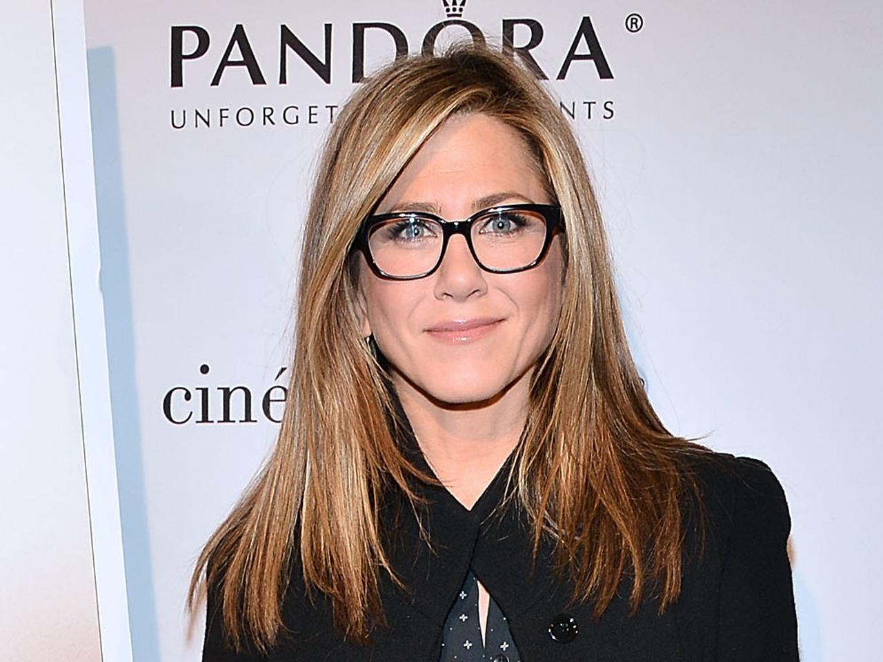 jennifer glasses 20 Things You Never Knew About Jennifer Aniston