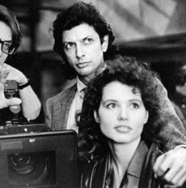 DHTX8OrUQAAK3ce 20 Things You Never Knew About Jeff Goldblum