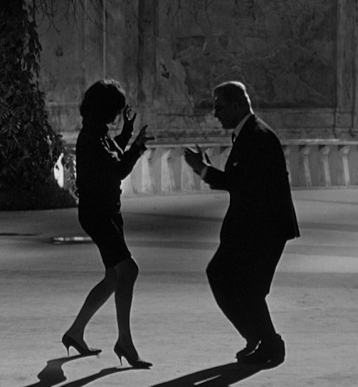 Fellini In Post 25 Things You Never Knew About Pulp Fiction