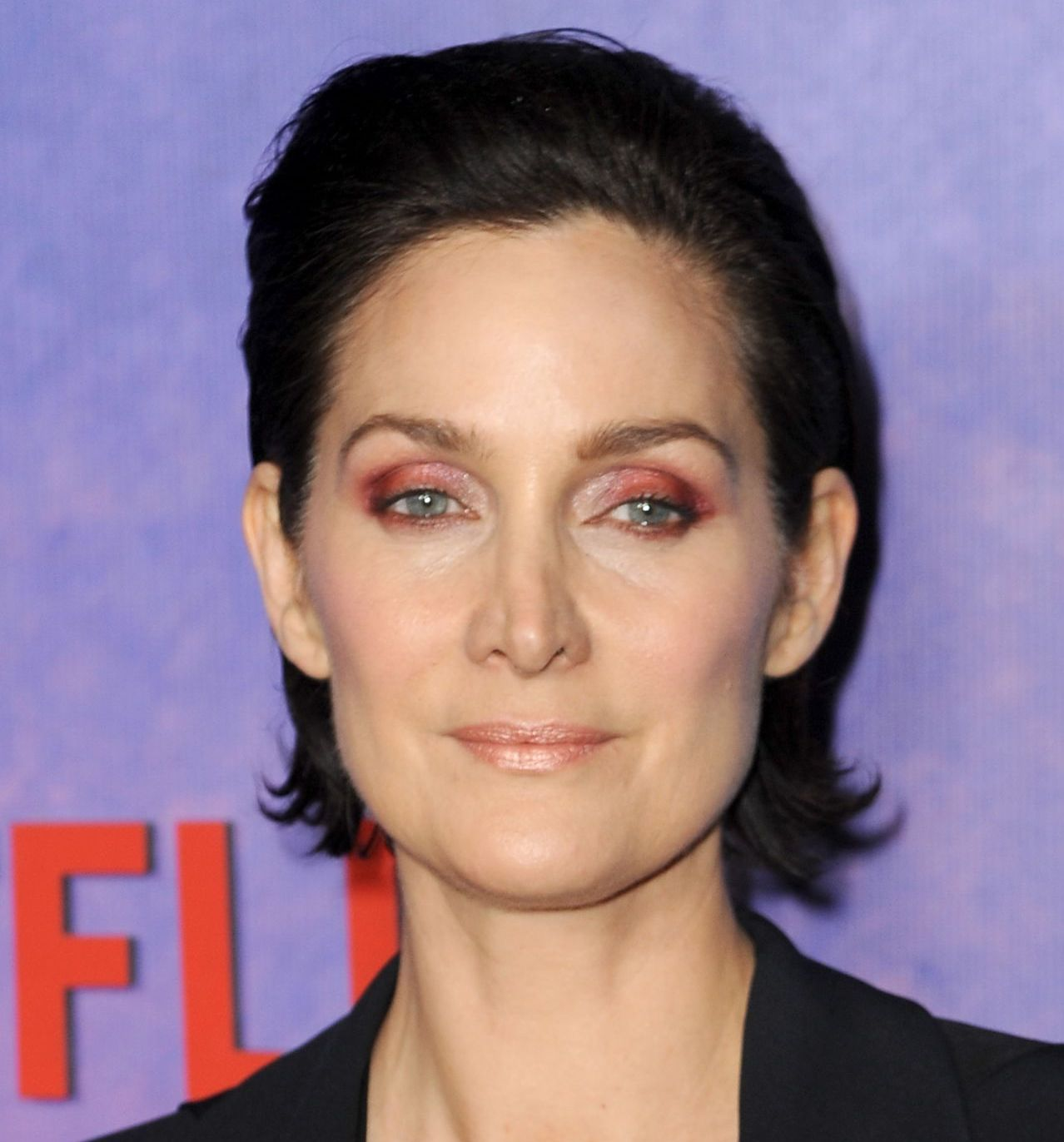 carrie anne moss jessica jones season 2 premiere in nyc 6 20 Unreal Facts You Never Knew About The Matrix