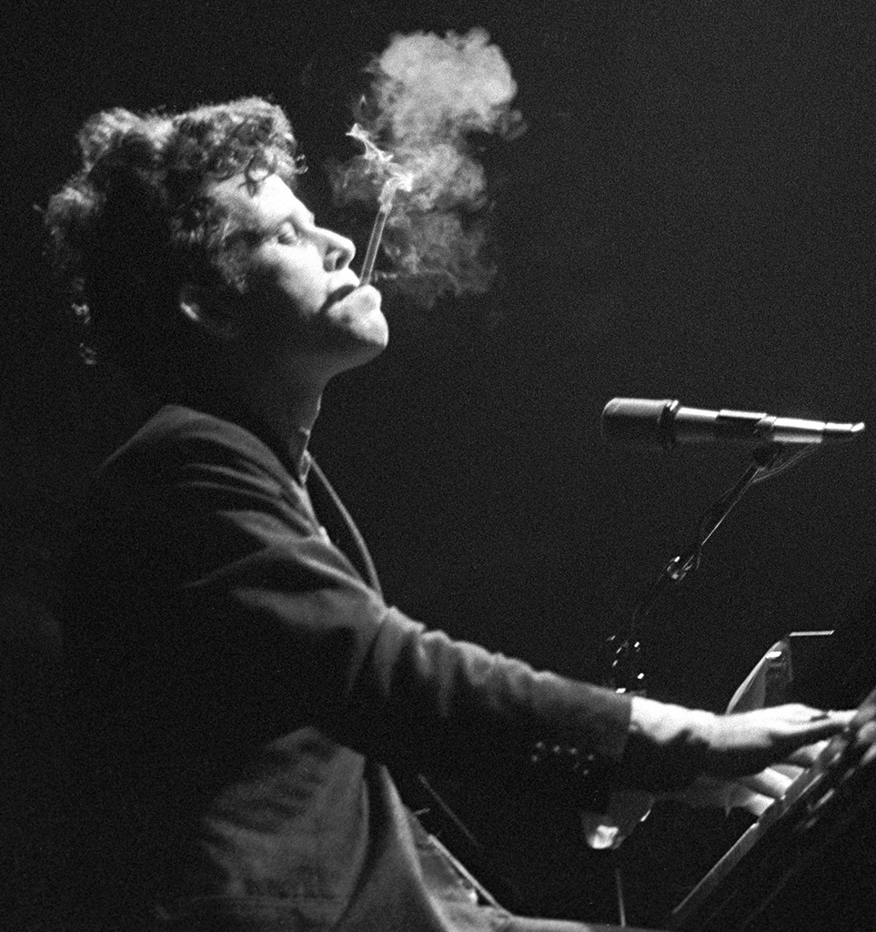 tom waits live 1981 billboard bw 1548 25 Things You Never Knew About Reservoir Dogs