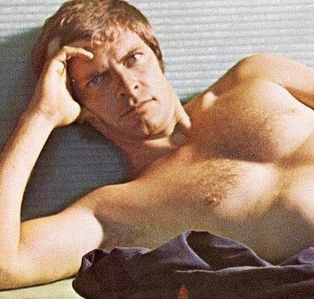 14 3 1 e1597833342841 20 Hilariously Wonderful Photos Of 80s Male TV Stars