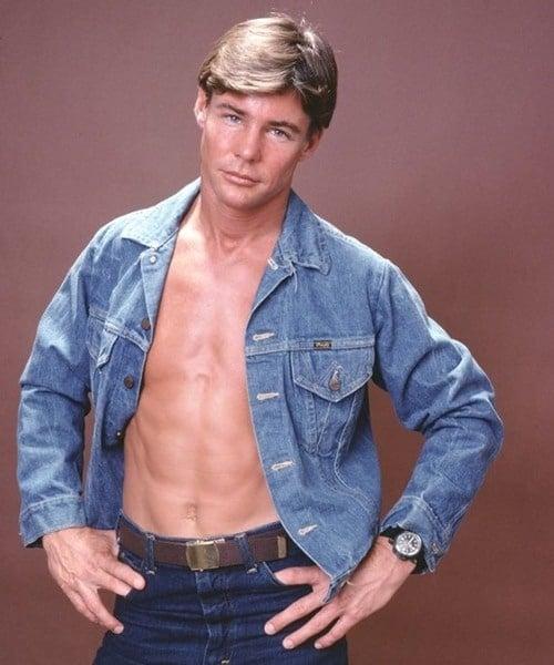 16 20 Hilariously Wonderful Photos Of 80s Male TV Stars