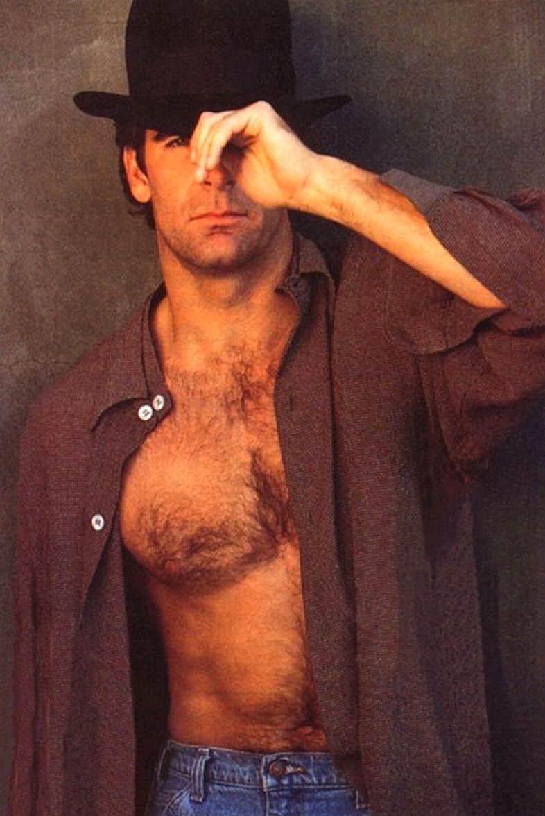 2 22 20 Hilariously Wonderful Photos Of 80s Male TV Stars