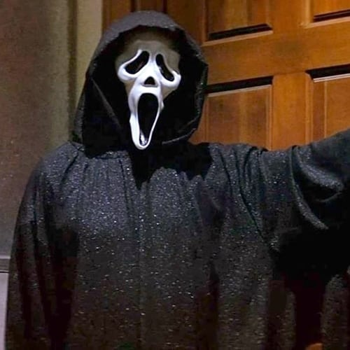 4 38 10 Fascinating Real-Life Facts About Scream