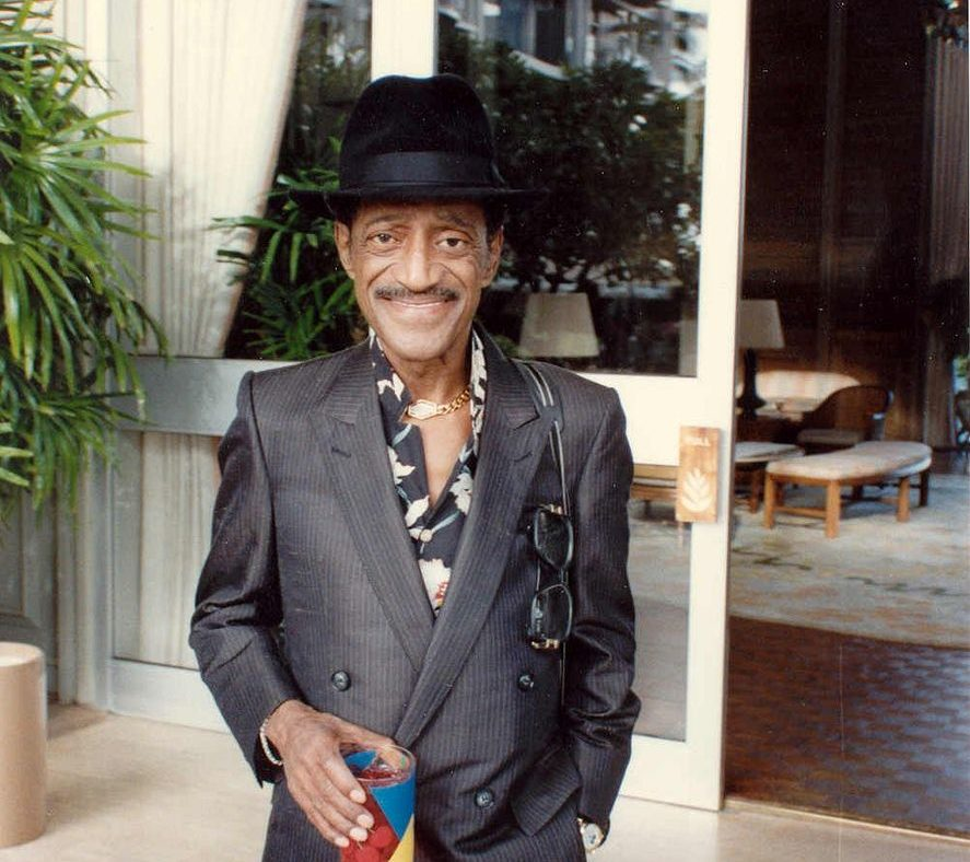 Sammy Davis Jr 1989 e1622557440618 28 Things You Probably Never Knew About Willy Wonka And The Chocolate Factory