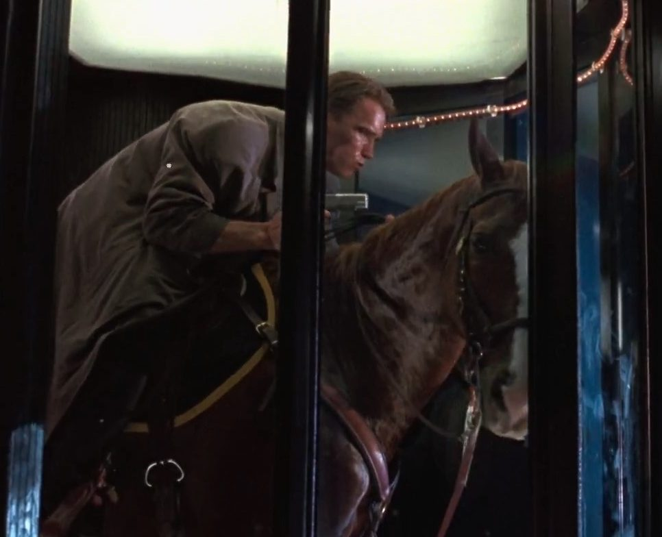 True Lies Elevator Horse e1615555537318 20 Things You Never Knew About True Lies