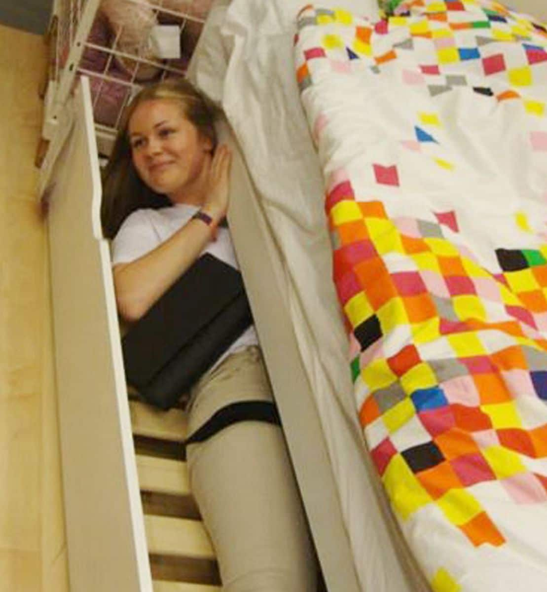 Police Guard Glasgow Ikea From 3,000 People Trying To Play Hide And Seek In Store