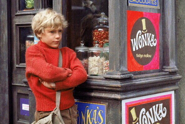mv5bmtm4mzkzode3nf5bml5banbnxkftztcwmjeymzywna . v1 e1537295551181 28 Things You Probably Never Knew About Willy Wonka And The Chocolate Factory