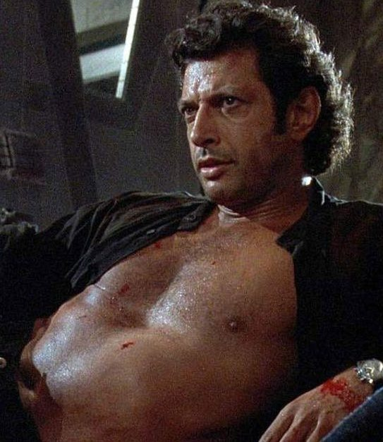 statue jeff goldblum e1582813794685 20 Things You Probably Didn't Know About Independence Day