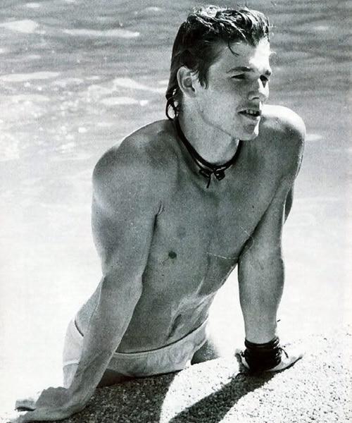 10 19 12 Hilariously Wonderful Photos Of 1980s Male Pop Stars