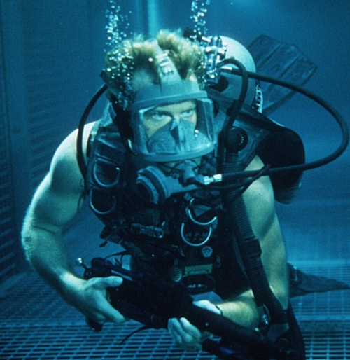10Jane 10 Facts You Probably Didn't Know About Deep Blue Sea