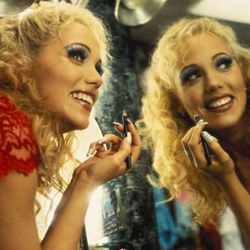 15 8 20 Show-Stopping Facts About 1995's Showgirls