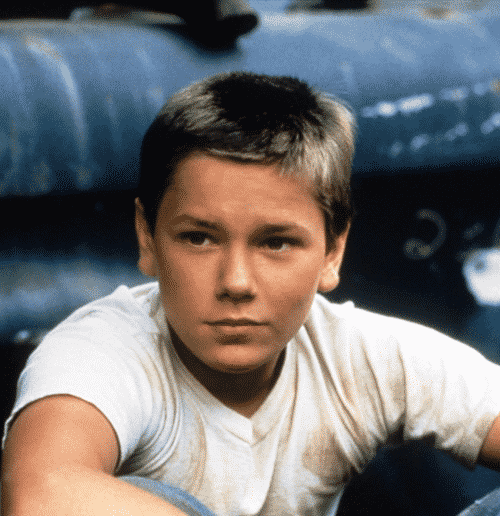 1Young 2 20 Facts About the Sadly-Missed River Phoenix