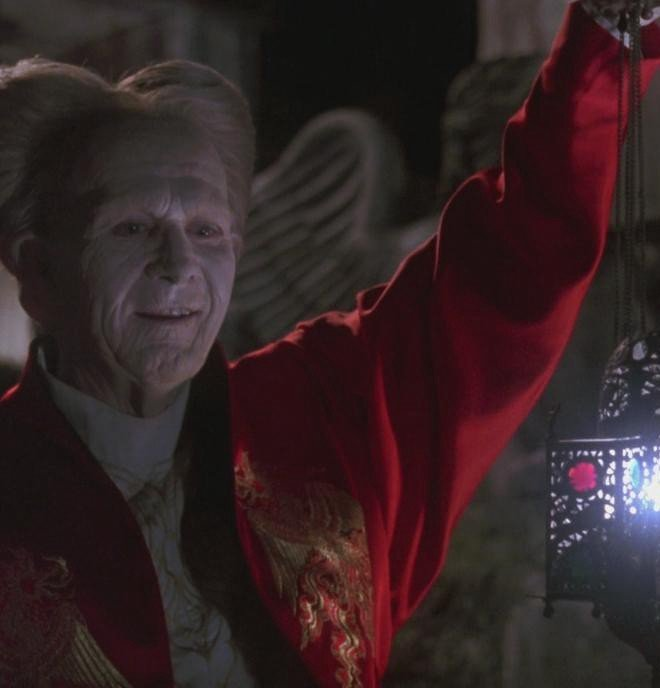 1 TXaXFNmoVUubJSOFJlydcA 20 Facts You Probably Didn't Know About Bram Stoker's Dracula