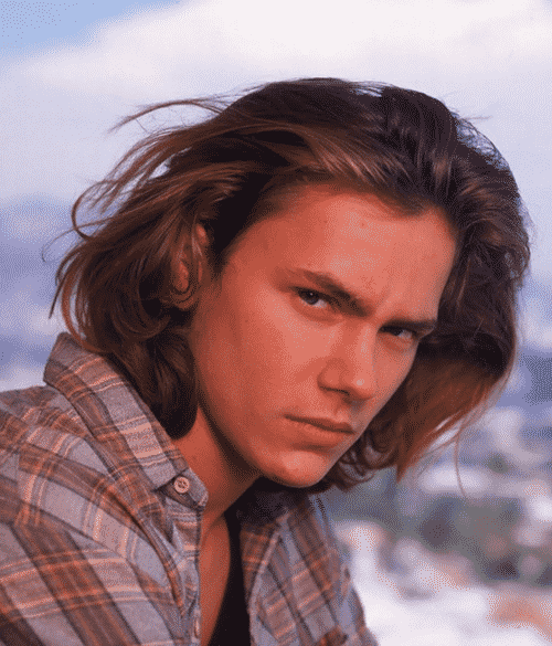 2Novel 20 Facts About the Sadly-Missed River Phoenix