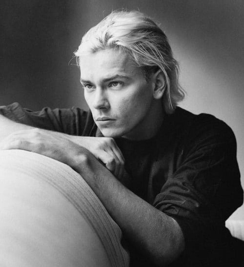 4CZ7NLW24II6RC5MX7QB7TODUY 20 Facts About the Sadly-Missed River Phoenix