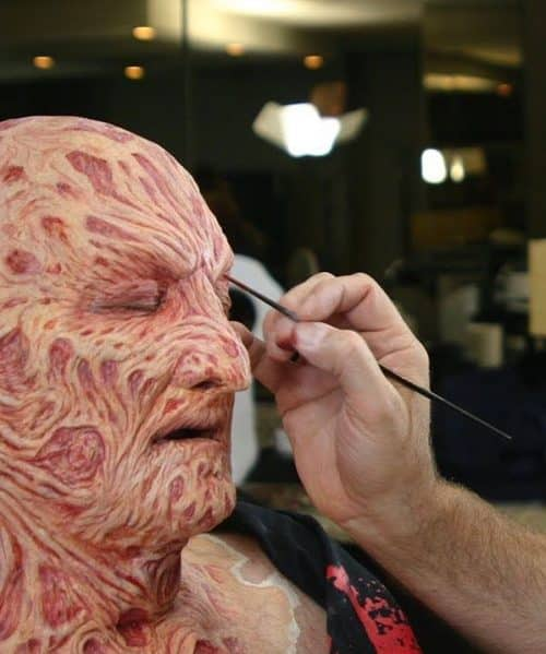 5 3 4 e1571819409761 20 Frightening Facts About Nightmare On Elm Street Actor Robert Englund