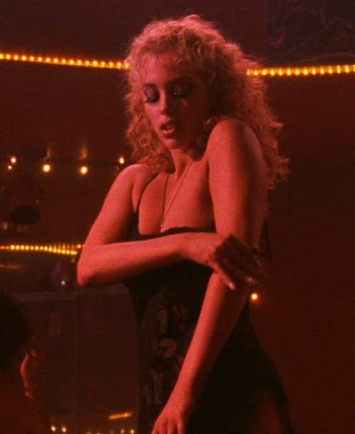 9 3 4 e1571223697848 20 Show-Stopping Facts About 1995's Showgirls