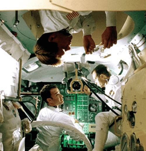 9Vomit Riding The 'Vomit Comet': How Apollo 13 Was Made