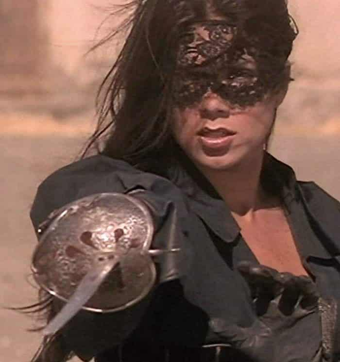bb9f4ecf68c76b8b2f1dab5d6cc2508b e1572430011231 The Mask Of Zorro: 20 Facts About The Film That Will Really Leave A Mark