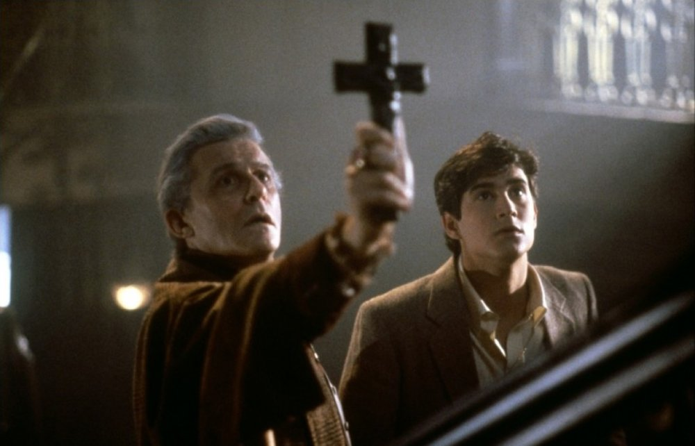 frightnight 20 Horror Movies That Defined The 1980s