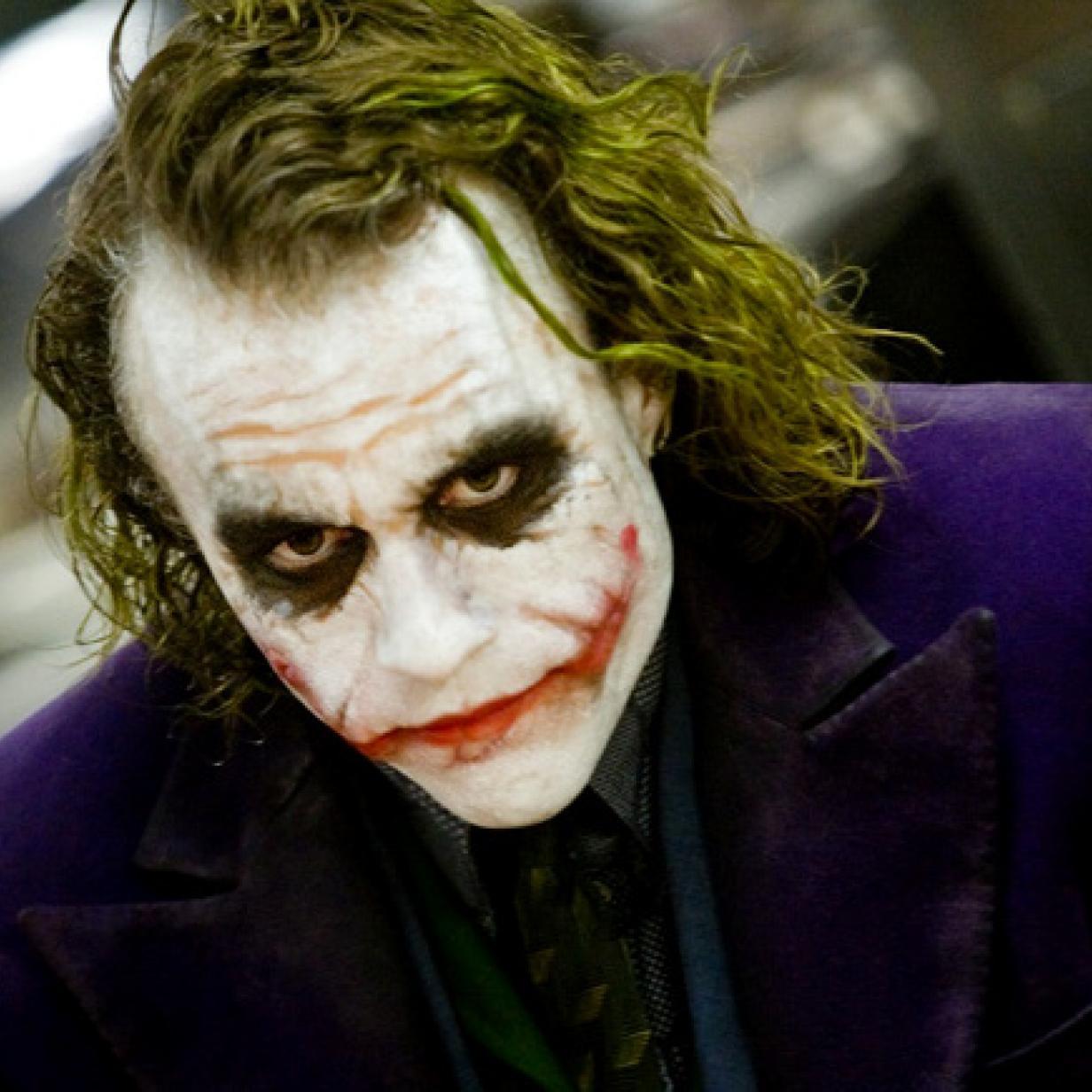 heath ledger the joker 133406 The 20 Biggest Ways Joker Breaks the Superhero Mold