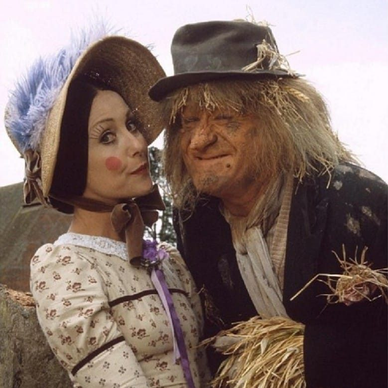 qGUWYcRYU2VV5wctcC18JUf4FI1 e1571738794568 Peter Jackson Did The Special Effects, And 19 Other Facts About Worzel Gummidge