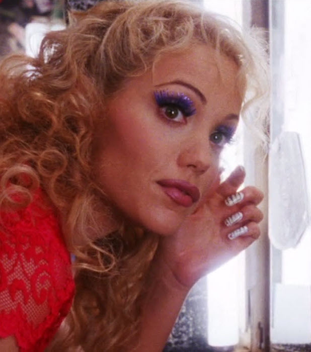 showgirls8 20 Show-Stopping Facts About 1995's Showgirls