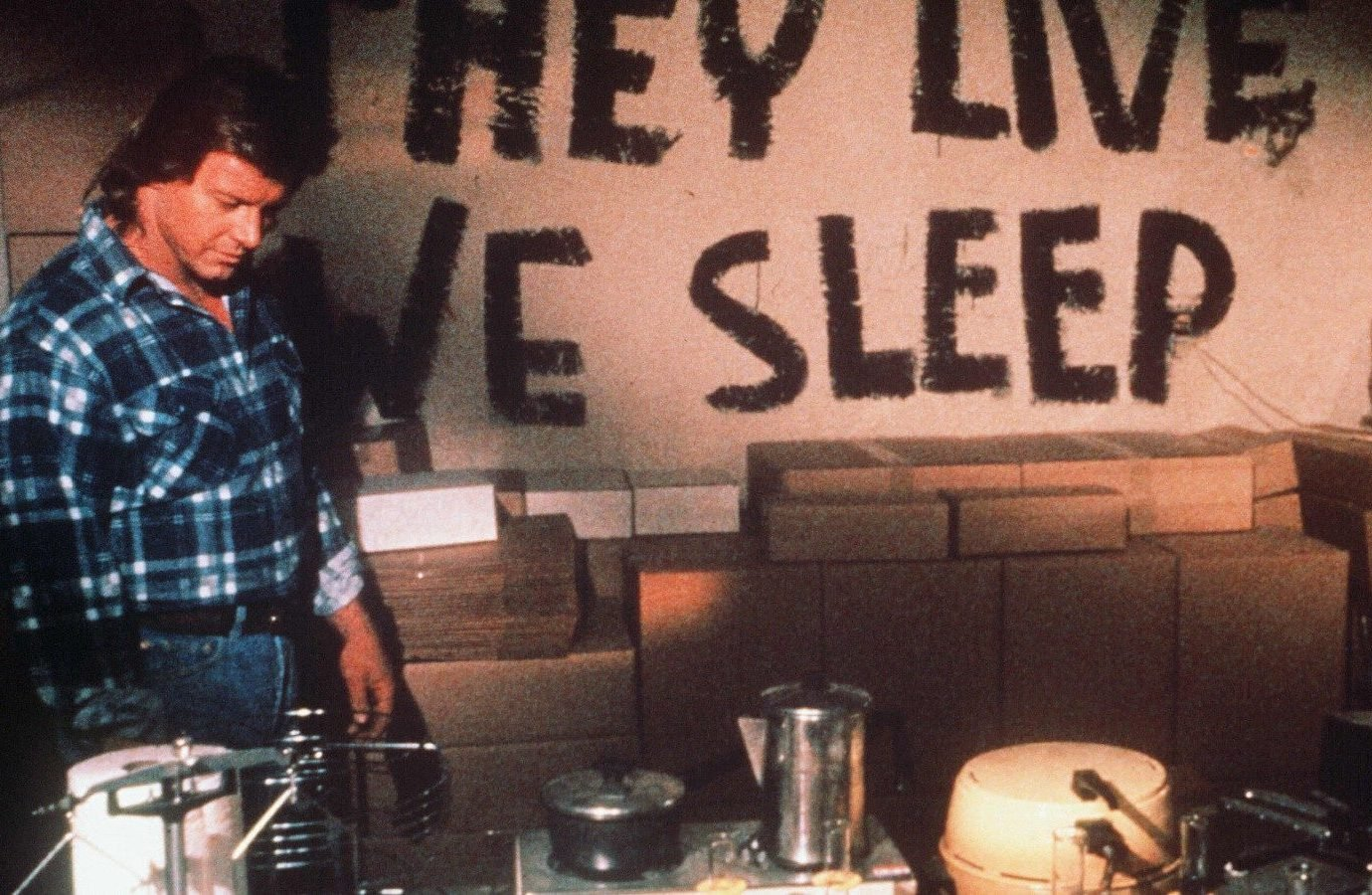 10 45 e1617378725782 21 Mind-Altering Facts You Never Knew About John Carpenter's They Live
