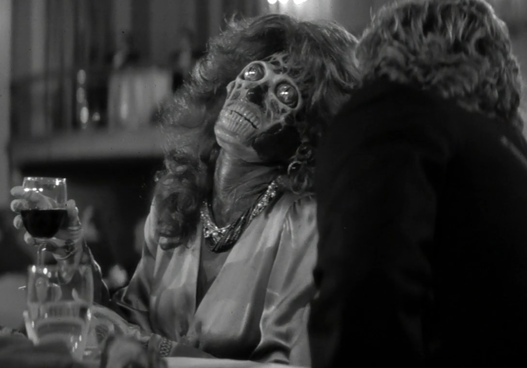 19 e1617378599393 21 Mind-Altering Facts You Never Knew About John Carpenter's They Live