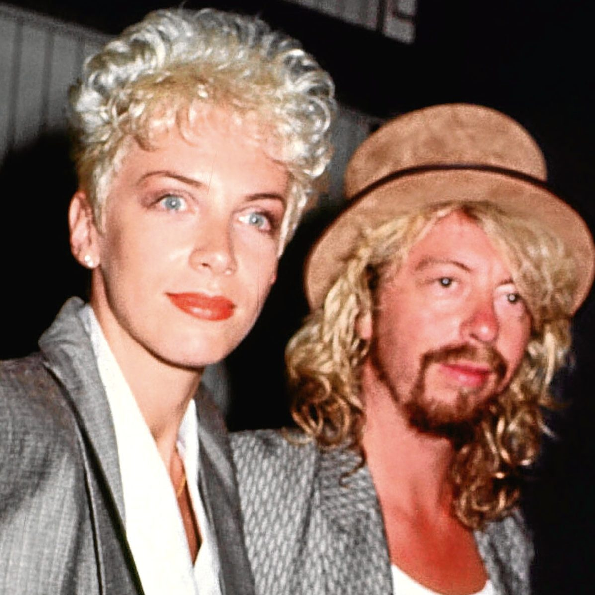 5a8eeef0c4bd3 e1574424742335 20 Sweet Facts About Pop Icons Eurythmics