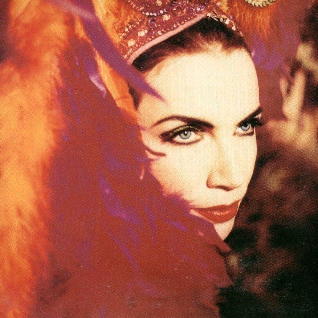 Annie Lennox Diva Era Photos 26 e1574432865287 20 Sweet Facts About Pop Icons Eurythmics