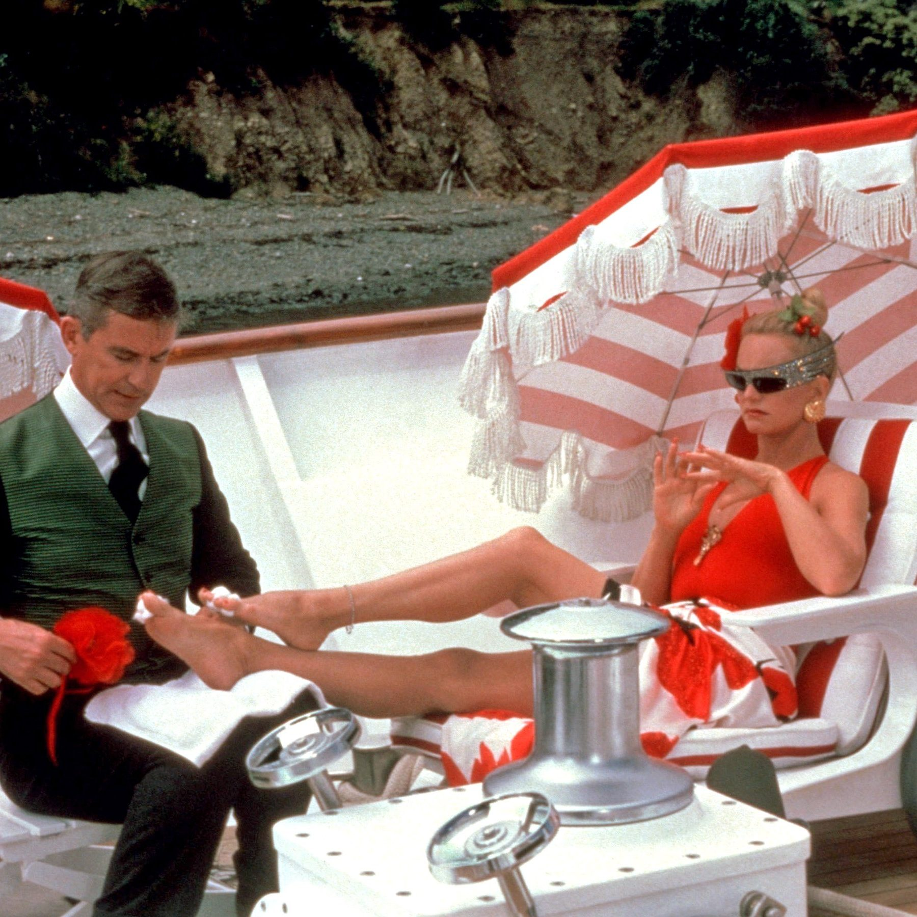 D5RRB8 e1576501514434 20 Things You Might Not Have Known About 80s Rom-Com Classic Overboard