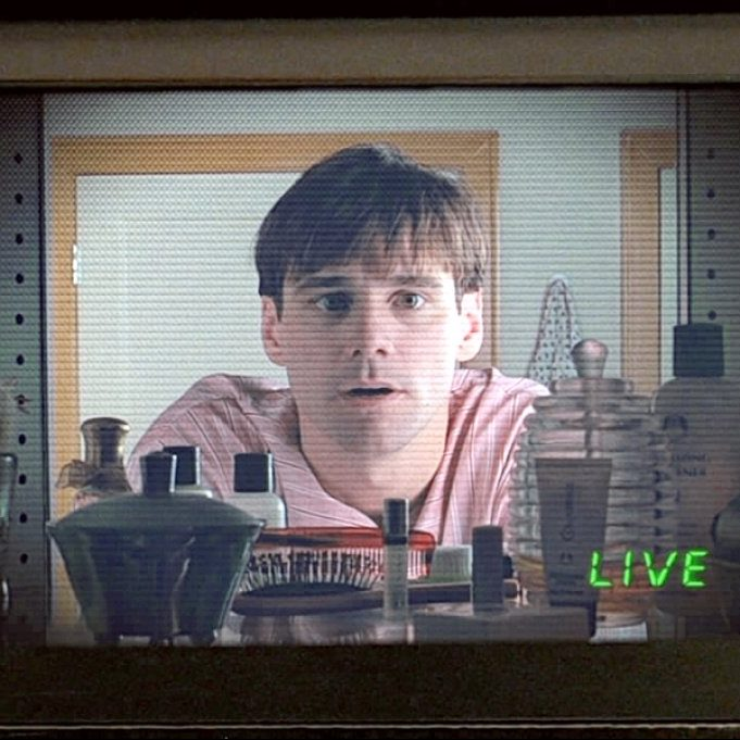 Di9bbygW0AEwi8g e1574771003397 Stay Tuned For 20 Amazing Facts About The Truman Show