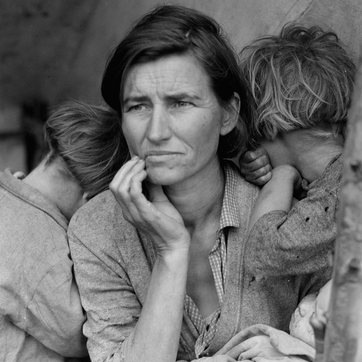 Migrant Mother photograph Nipomo California Dorothea Lange 1936 e1576576680403 20 Things You Might Not Have Known About 80s Rom-Com Classic Overboard