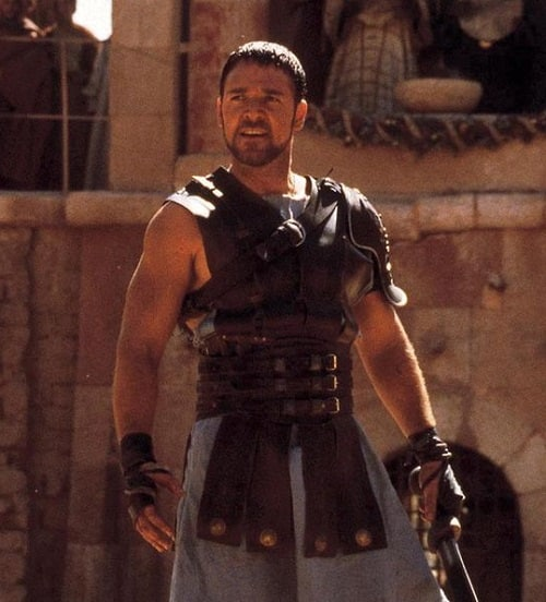 Russell Crowe as Maximus Decimus 880364 Mel Gibson Could Have Been Maximus, And 19 Other Things You Didn't Know About Gladiator