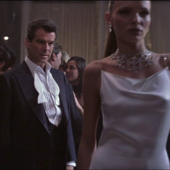 Thomas Crown Dinner Suit e1575646725280 20 Facts About GoldenEye Even A Secret Satellite Couldn't Uncover!