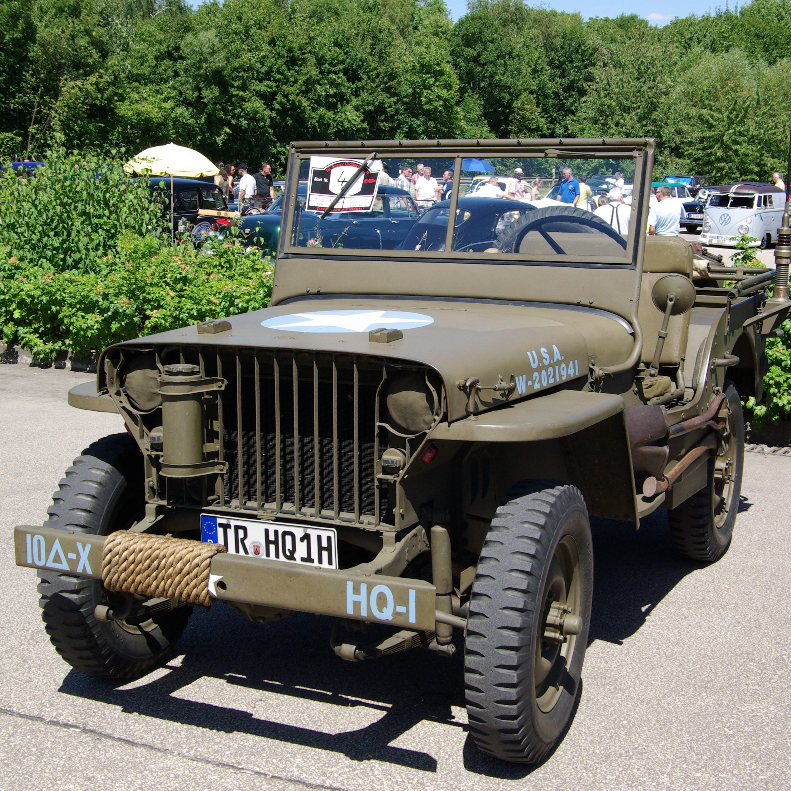 Willys Jeep BW 1 e1575029969164 20 Facts About 1980's Popeye That Taste Even Better Than Spinach