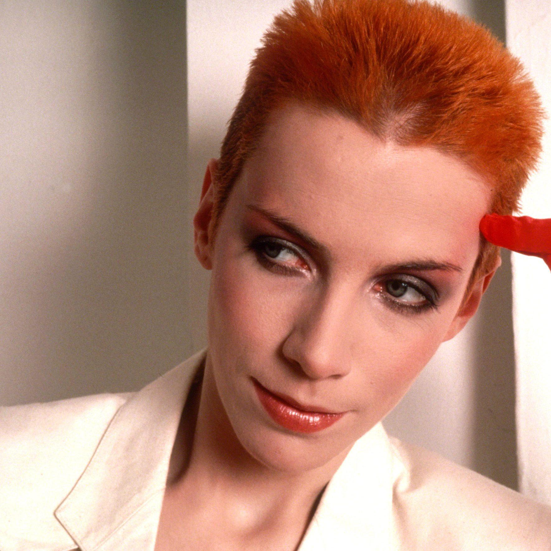 gettyimages 696611495 e1574432837621 20 Sweet Facts About Pop Icons Eurythmics