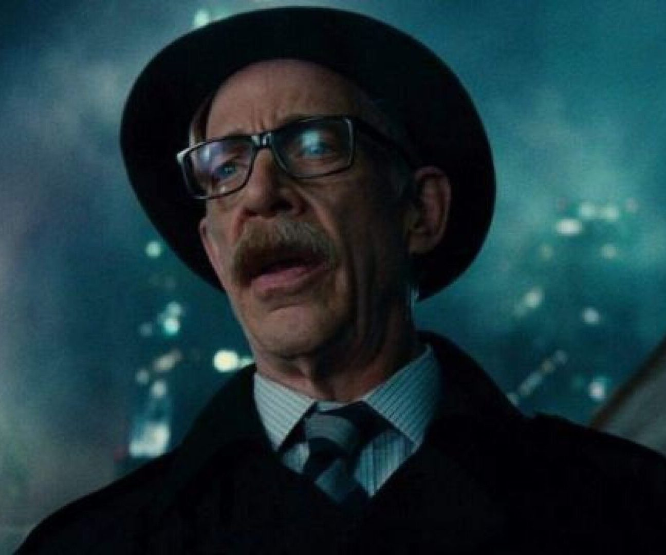 jk simmons talks about commissioner gordons role in zack snyders justice league social e1617195740943 30 Actor Transformations So Extreme You Didn't Even Recognise Them